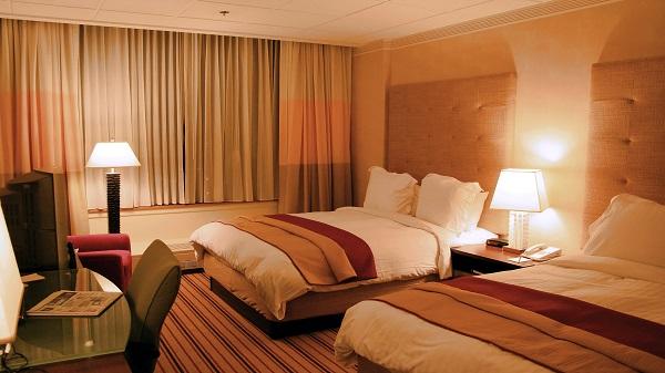 Hotel & Restaurant
